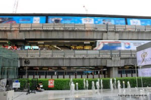 Der Skytrain auf 2 Ebenen in Siam