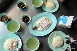 Huhn und Reis aus der Garküche
